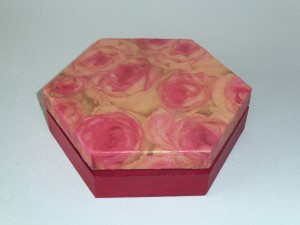 boite hexagonale theme rose