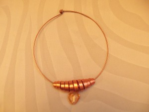 collier ras du cou cuivre et topaze_deco2sev.canalblog.com