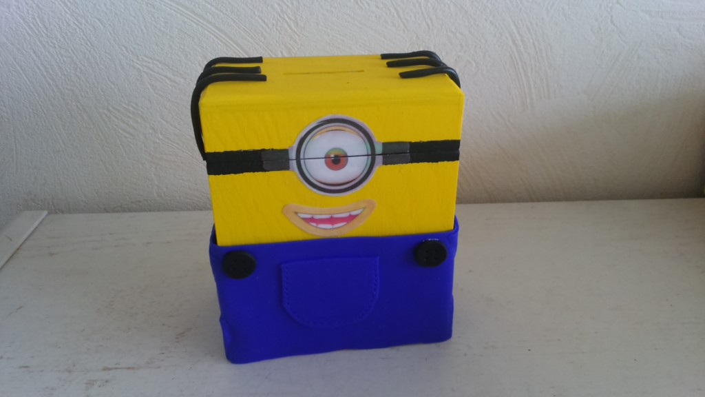 tirelire minion1