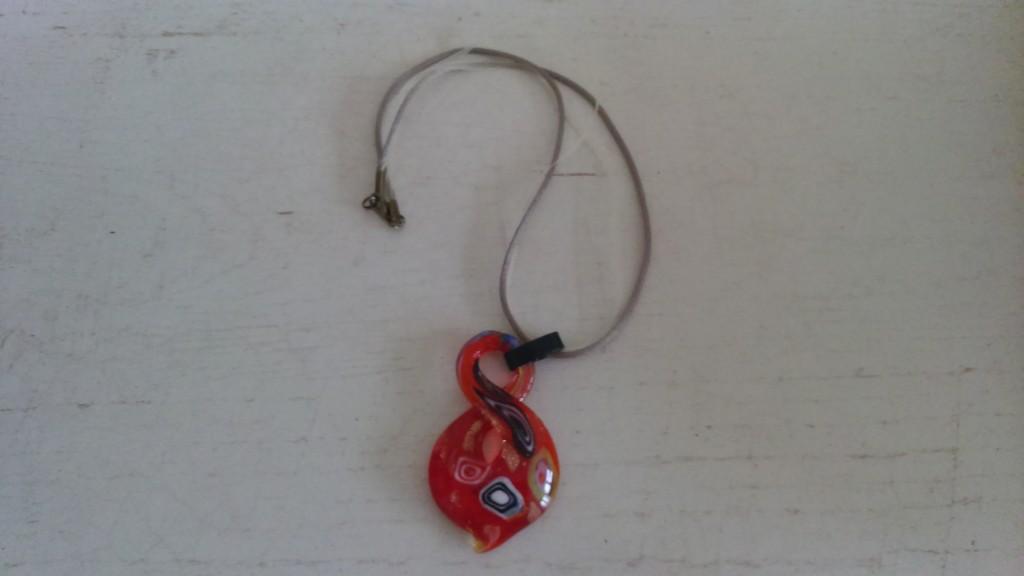 collier perle feuille de verre rouge