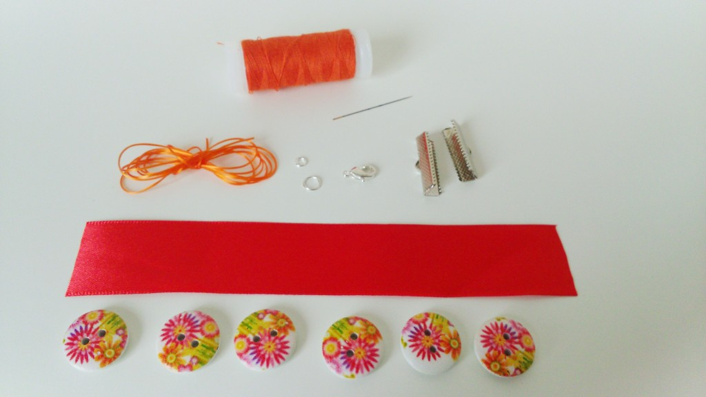 matériel bracelet fleuri