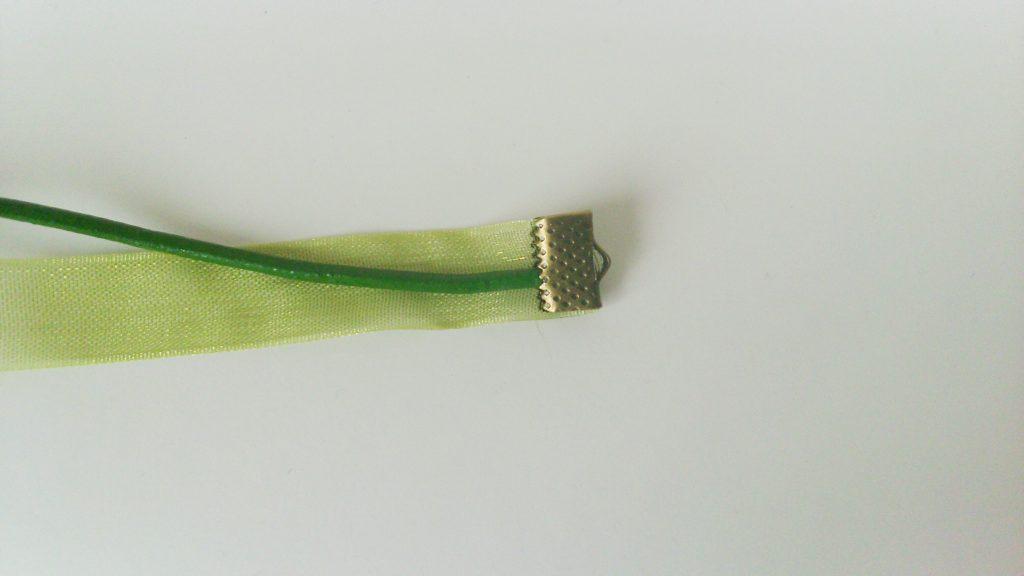 attache ruban cordon