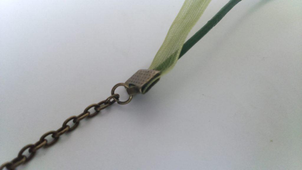 relier chaine et cordon